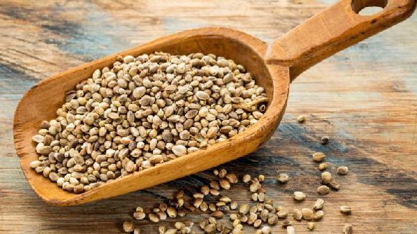 Hemp-Seed-Nutrition-Facts-1-780x438