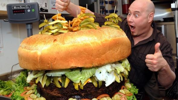 Huge-hamburger-_ttjs-780x438-590x331