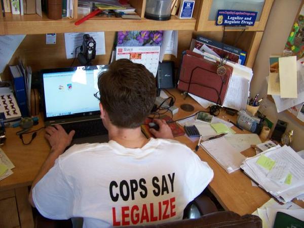 Jay-Selthofner-working-LEAP-Shirt-1-590x443