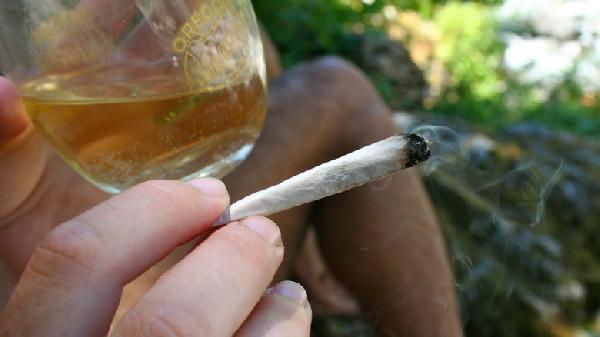 cannabispairingsauvignonblancwithharlequin-780x438