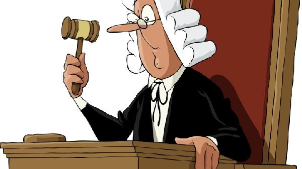 judge-in-court-780x438