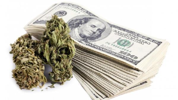 marijuana-banking-1200xx2122-1194-0-111-1-780x438