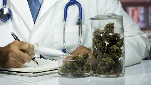 marijuana-doctor-hbtv-hemp-beach-tv-780x438