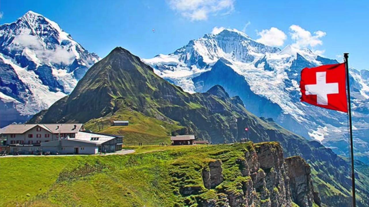 Suiza quiere terminar con la ilegalización del cannanis recreativo.